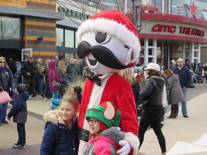Avenue Holiday Parade 2017 06